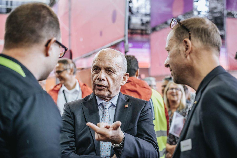 Foto: Bundespräsident Ueli Maurer mit Sandro Lüthi